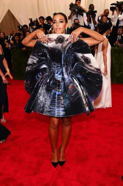 A force de vouloir surprendre, Solange Knowles n'a pas pu baisser les bras de la soirée...