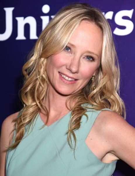 Anne Heche, qui a vécu 3 ans avec Ellen DeGeneres avant Portia de Rossi, continue sa carrière au cinéma