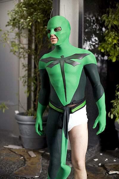 2008 - Super Heros Movie   Il n'avait pas assez d'argent pour finir le costume.