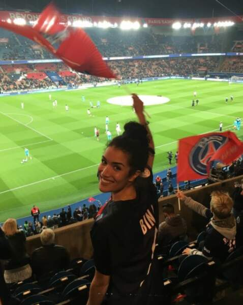 Sabrina aussi le foot ! Et supporte... le PSG !