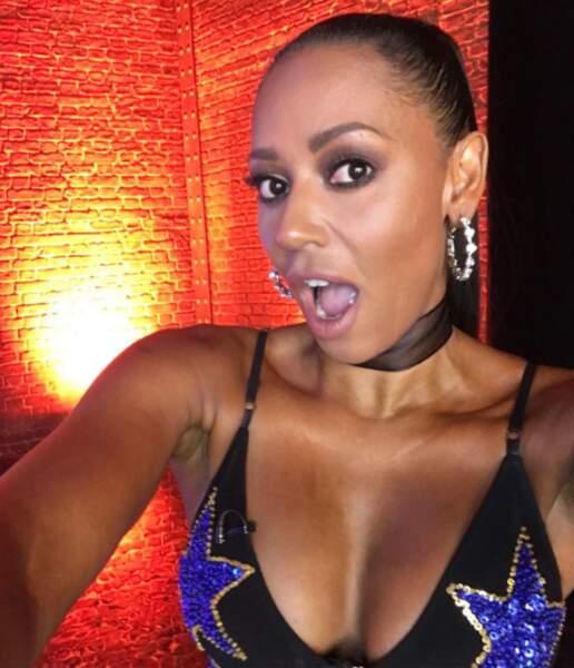 Décolleté XXL pour Mel B des Spice Girls.
