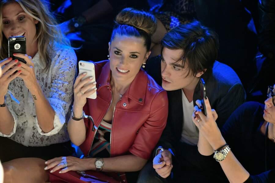 Elle a assisté au défile Etam Lingerie avec Caroline Ithurbide et son chéri Alain-Fabien Delon