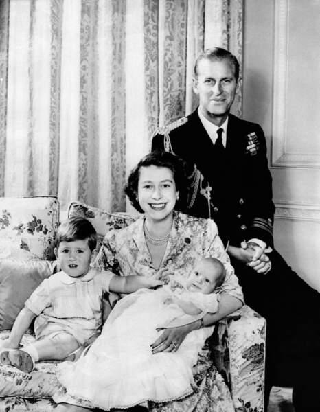 Le 15 août 1950, Charles accueille une petite sœur : Anne