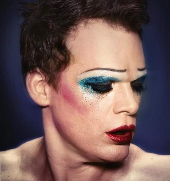 Il a ensuite incarné un travesti dans la comédie musicale Hedwig and the Angry Inch