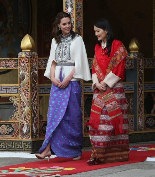 Kate se sent à l'aise auprès de la reine Jetsun qui vient de donner un héritier au royaume
