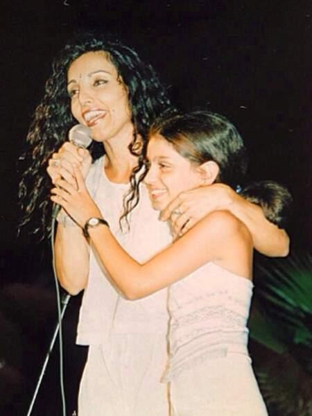 Chanteuse de mère en fille