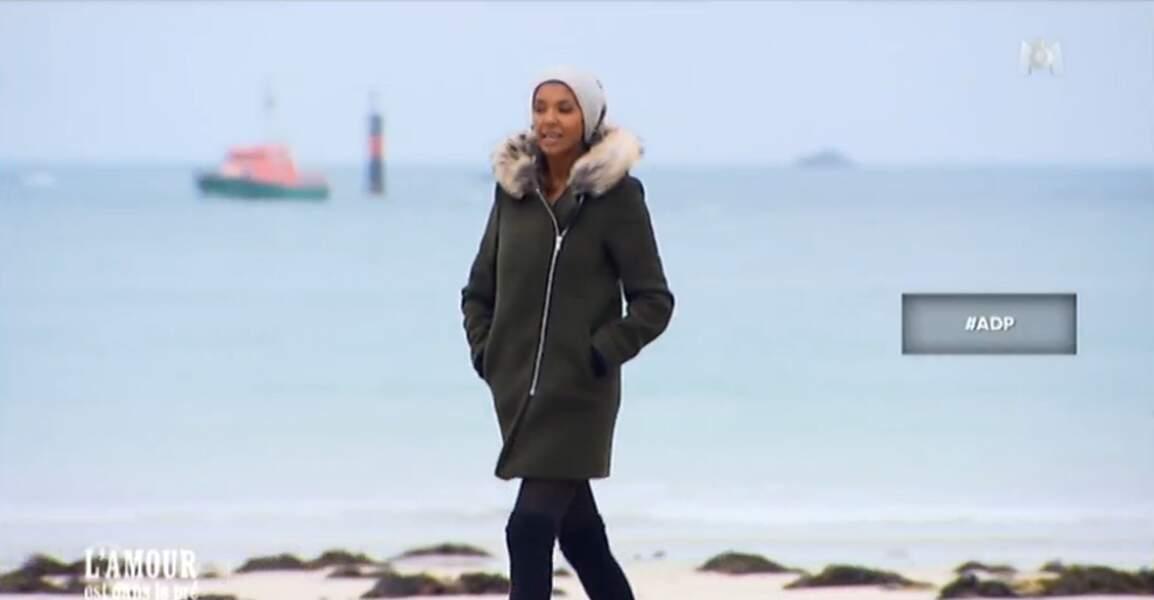 """Dans la série """"Mon métier, cette plaie"""", voici Karine sur une plage bretonne. Sympa"""