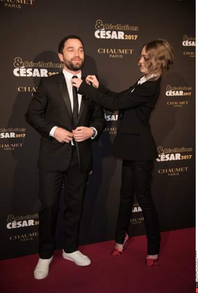 La jeune femme tient à ce que son parrain, Guillaume Gouix, soit au top de son look !