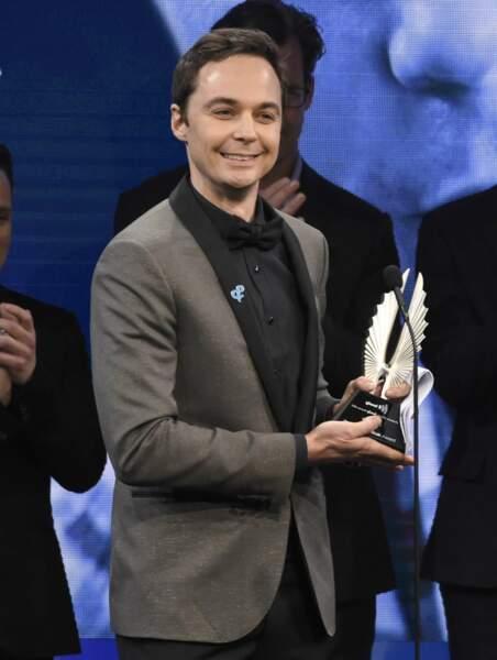 Jim Parsons alias Sheldon a, lui, remporté le prix Stephen F. Kolzac