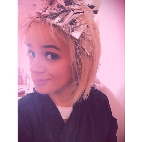 Et est allée chez le coiffeur. C'est ça de ne pas être une vraie blonde...