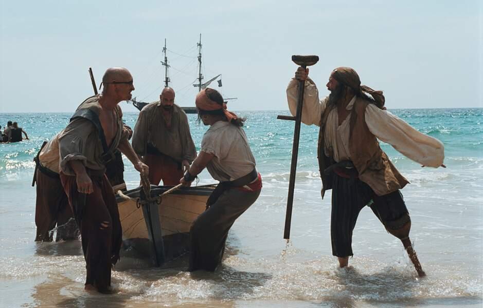 L'île au trésor (2006) : Comme tout bon pirate qui se respecte, John Silver a une jambe en bois
