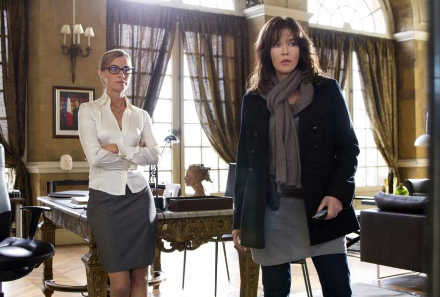Elle joue le rôle de la commissaire Clara Damico dans De force (2011).