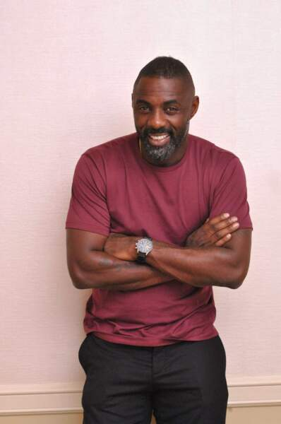 Idris Elba sourit et... on craque !