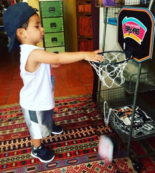 Tony Parker n'a aucun souci à se faire : Josh, 2 ans, assure la relève des Spurs !