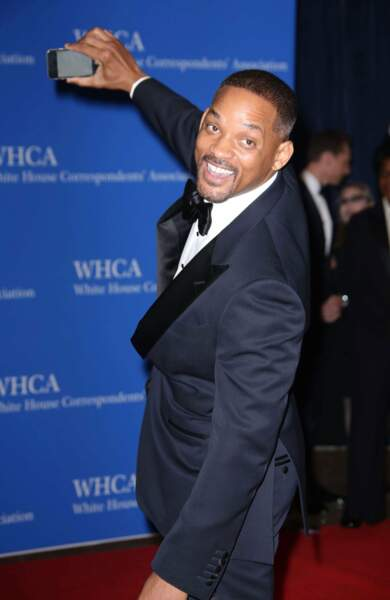 Will Smith veut immortaliser l'évènement avec un selfie !