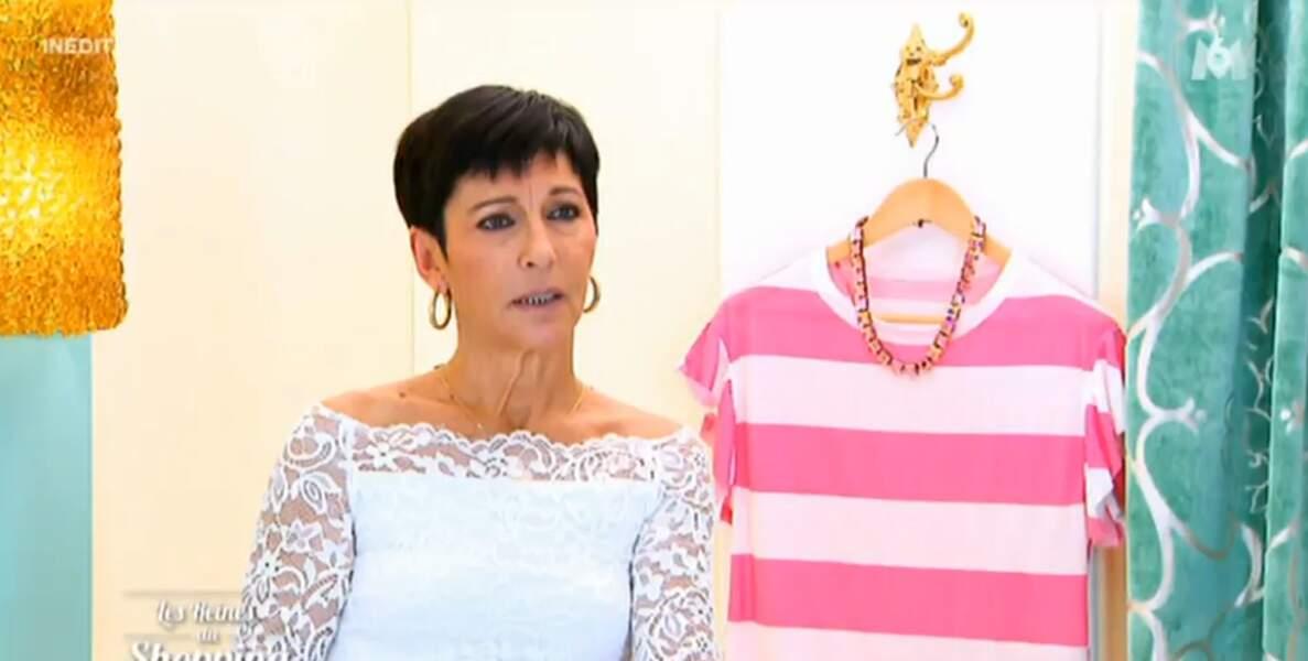 On continue dans le blanc avec la tenue virginale de cette candidate des Reines du shopping...