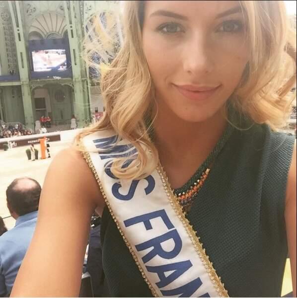 Cette semaine, on a également pu découvrir sur la toile un nouveau selfie de notre chère Miss France, Camille Cerf