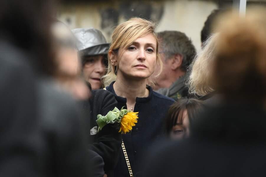 Julie Gayet à la cérémonie du Père Lachaise