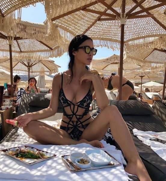 L'astuce de Leila Ben Khalifa : rester à l'ombre, comme ça aucun risque !