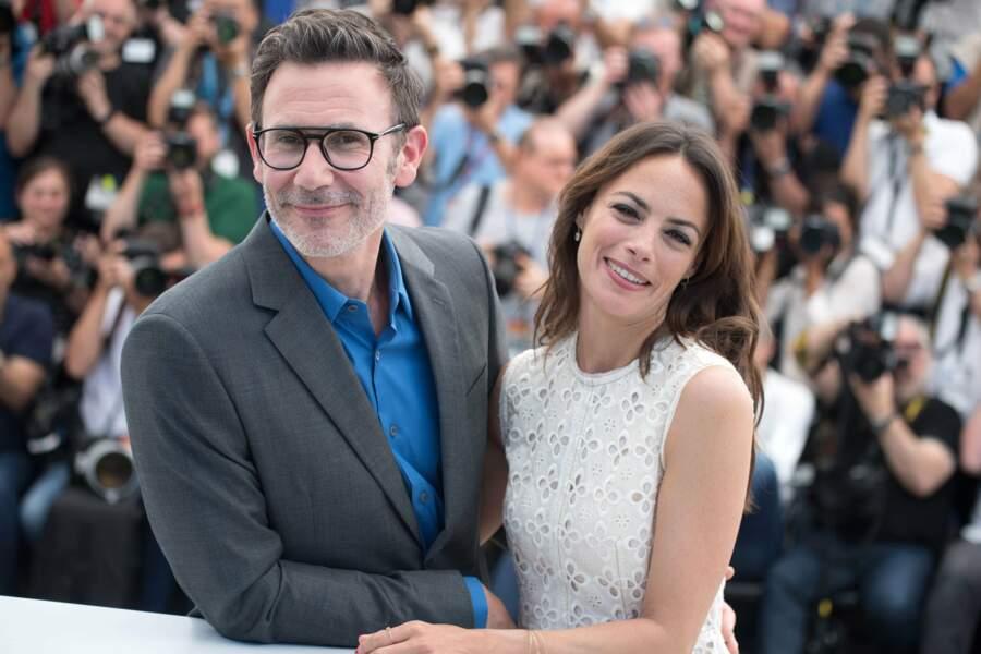 Pause tendresse pour Bérénice Bejo et Michel Hazanavicius lors du photo-call du Redoutable