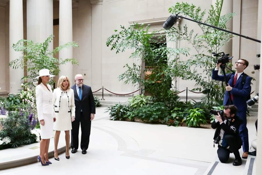 """Pendant ce temps-là, Brigitte et Melania visitaient une exposition """"Cézanne"""" à la National Gallery de Washington"""