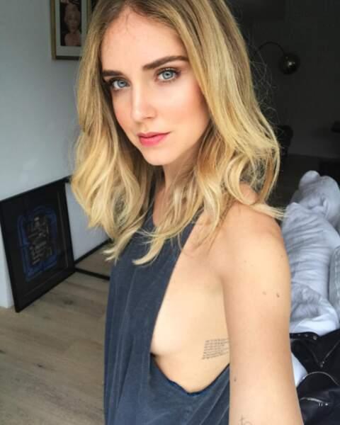Vous voulez plus de sexy ? Oh oui ! On commence avec ce joli side-boob de Chiara Ferragni.