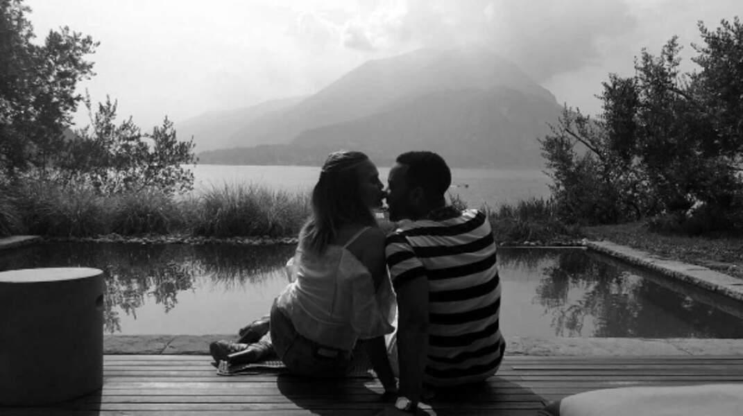 Chrissy Teigen et John Legend au Lac de Côme, sur le lieu de tournage du clip d'All of Me.