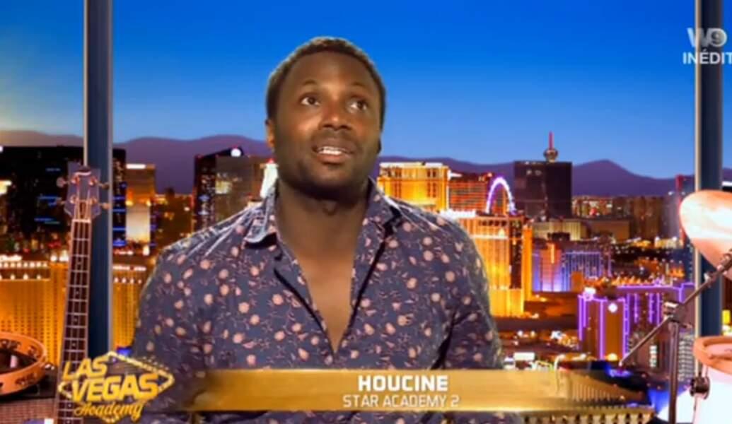 Pas mal non plus, la petite chemise d'Houcine dans Las Vegas Academy