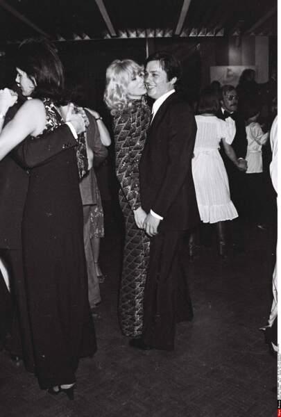 Elle sera sa compagne pendant 15 ans, ici lors d'une soirée en 1976