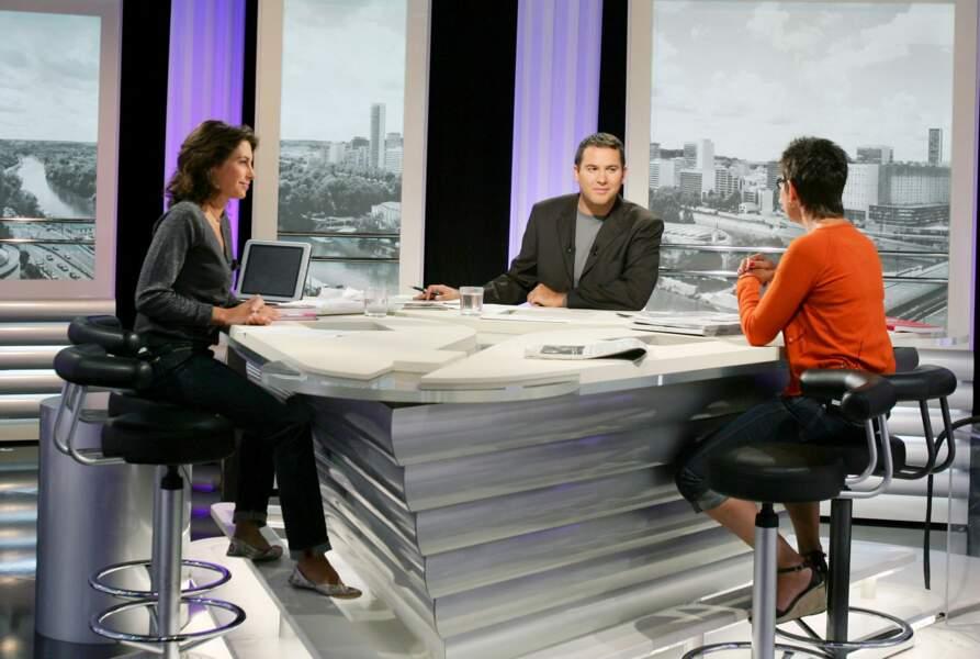 Alessandra Sublet, chroniqueuse aux côtés de Bruce Toussaint dans La Matinale de Canal+ (2005)