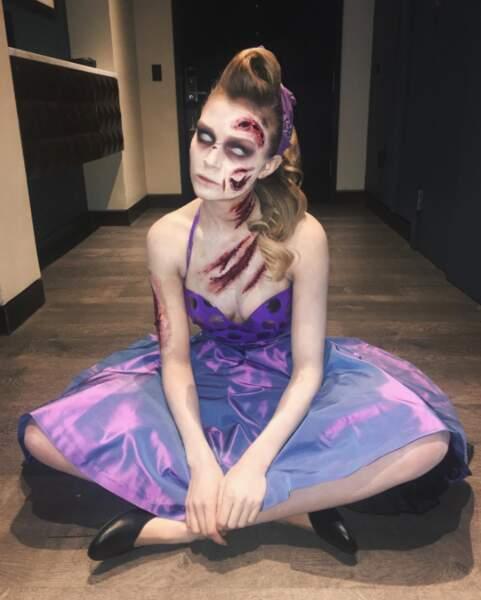 Josephine Skriver était un zombie des années 80.