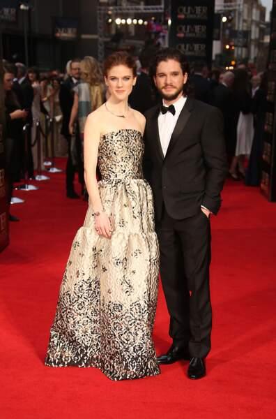 Rose Leslie et Kit Harington, tous les deux dans la série Game of Thrones, ont officialisé leur relation.