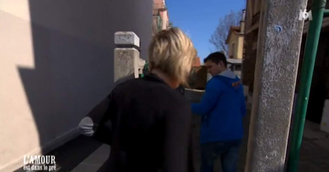 Adrien a réservé une surprise pour Claire : la visite de son futur appartement