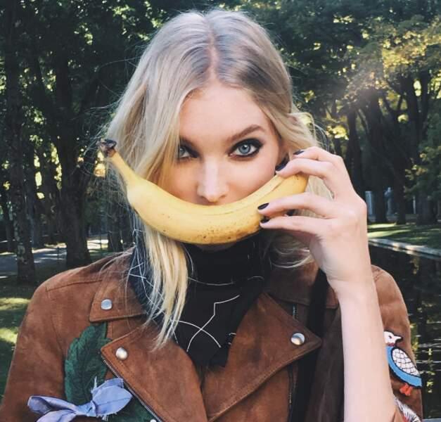 Et gardez la banane, comme Elsa Hosk !