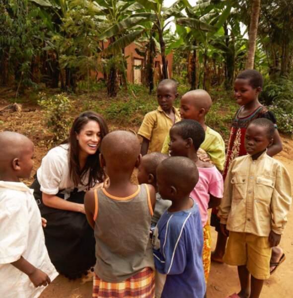 Mais aussi de son engagement humanitaire, ici au Rwanda