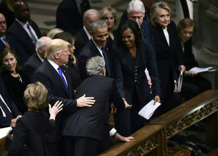 George Bush fils et sa femme Laura viennent saluer les chefs d'État américains