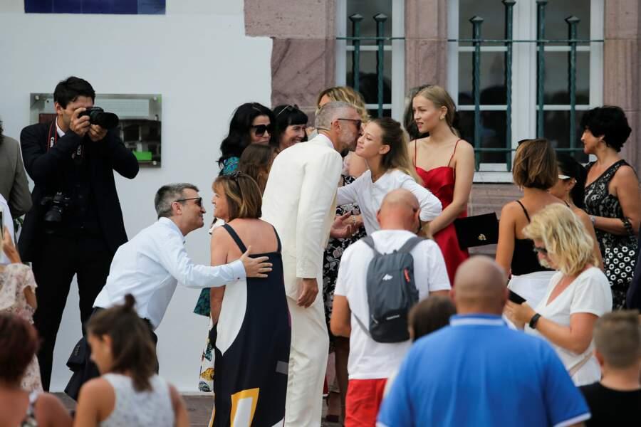 Vincent Cassel embrasse ses invités