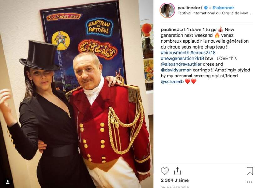 De son grand-père Rainier II et de sa mère, elle a hérité de la passion du cirque