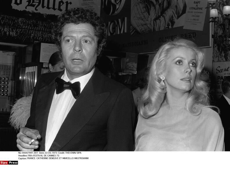 Avec l'acteur italien Marcello Mastroianni, elle démarre une nouvelle histoire d'amour