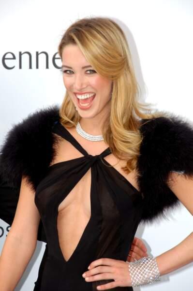 Robe surprenante pour Melissa Bolona lors du Gala de l'AmfAR