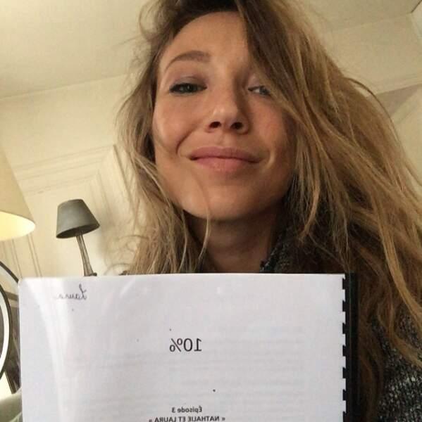 L'actrice a tourné dans un épisode de la série Dix pour cent
