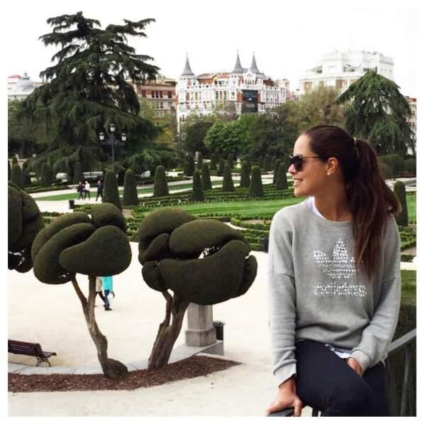 Décidément, c'est la mode de se prendre en photo dans les jardins madrilènes