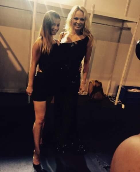 Denitsa Ikonomova a rencontré Pamela Anderson au Salon de la Lingerie. KAMOULOX.