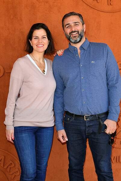 Le réalisateur Olivier Nakache et sa femme Jézabel au village Roland-Garros