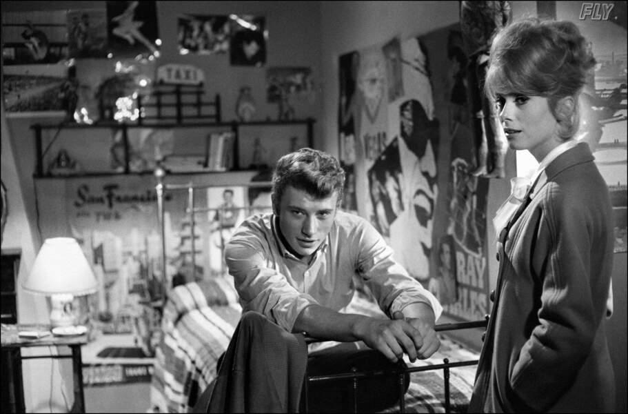 Johnny et Catherine Deneuve ont tourné ensemble Les Parisiennes, en 1961