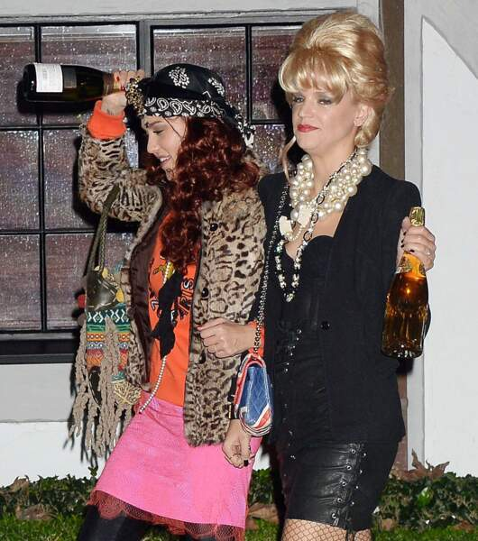 Jessica Alba et sa copine Kelly Sawyer se sont inspiré de la série Absolutely Fabulous.