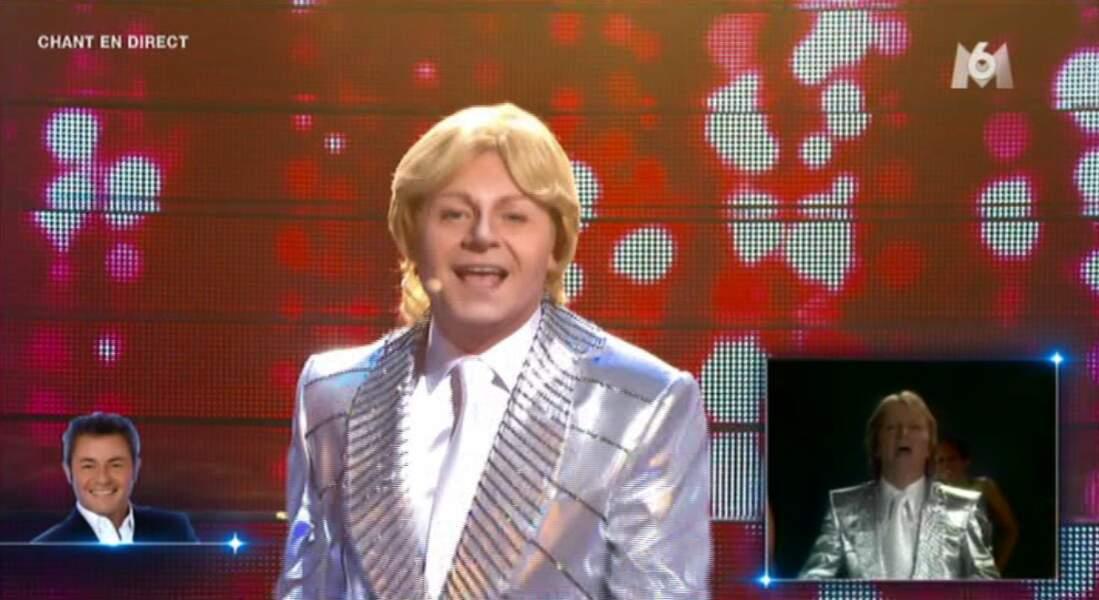 C'est plutôt pas mal, non ? Ça lui va bien les cheveux blonds !