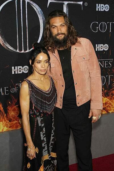Jason Momoa (Khal Drogo) est venu accompagné de sa femme Lisa Bonet !