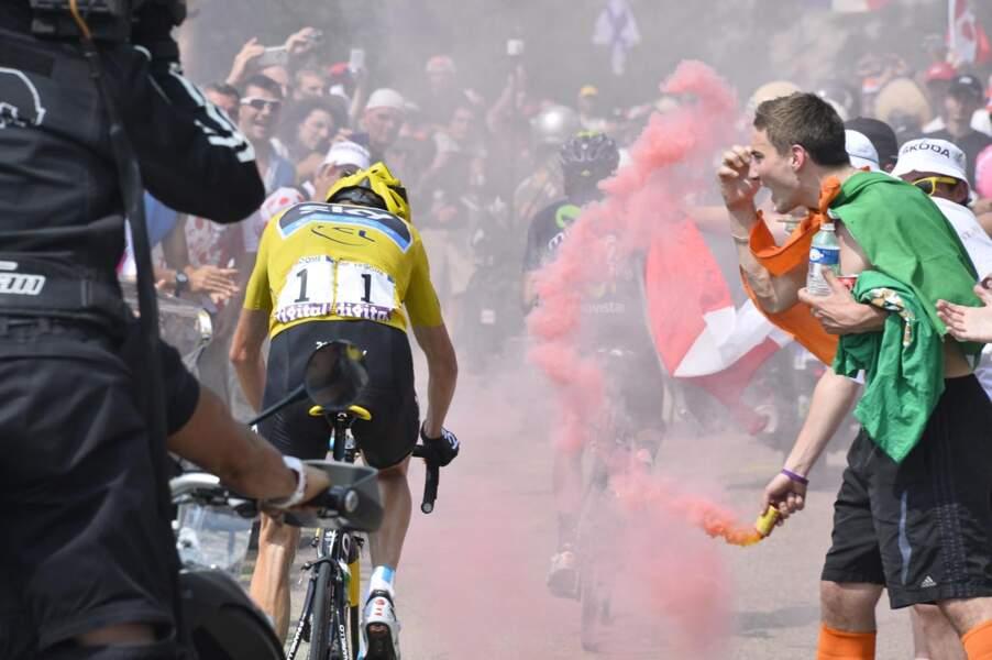 Il s'est cru au Vélodrome le type ou bien ?