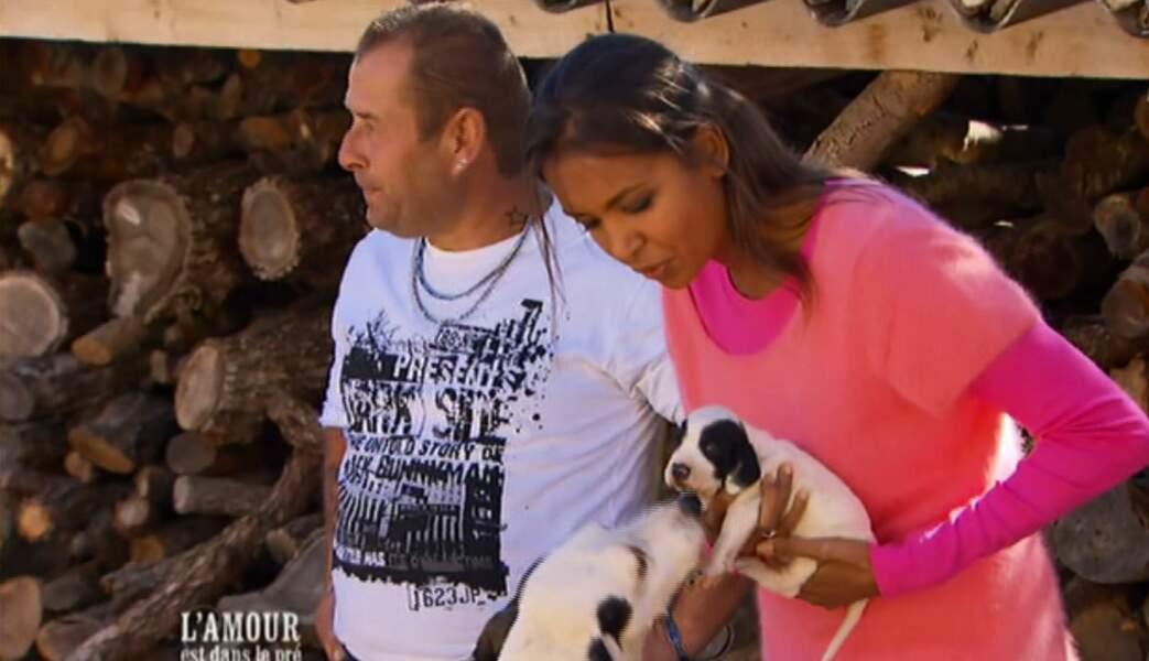 Chez Gilles, il y a un chien qui s'appellent Foufoune, et un petit chiot qui vient de naître.